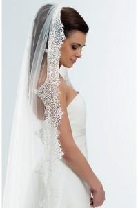 voile-de-mariee-tulle-dentelle-pailletee-sur-la-bordure-long-traine-accessoires-robe-de-mariee-ceremonie